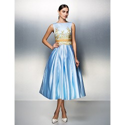 Company Party / Family Gathering Dress-Sky Blue Plus Maten / Petite Ball Gown Bateau Thee-Length Satin
